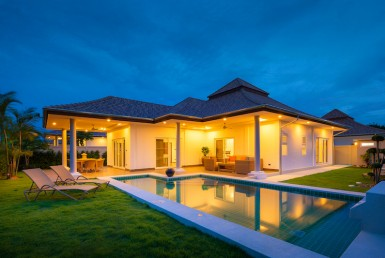 Luxury 3 bed pool villa for rent in Hua Hin