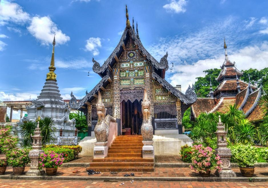 Why Do So Many Expats Move to Thailand?