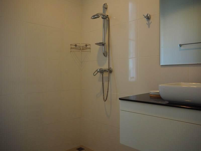 Mil Pool Villas resale - bathroom