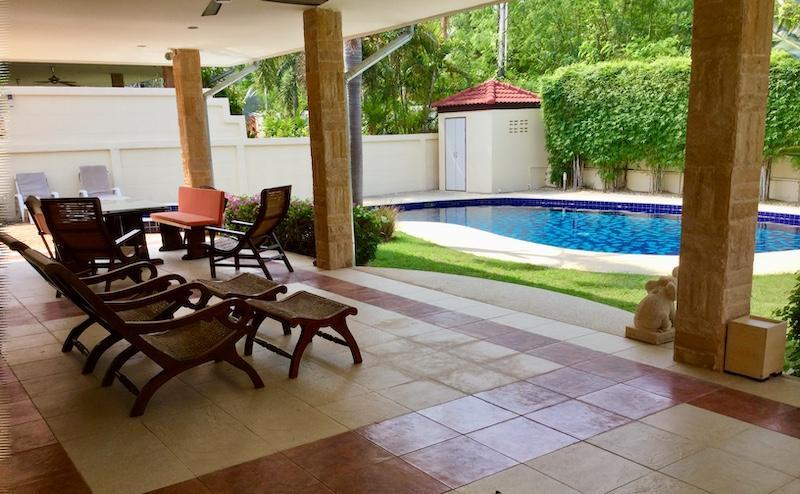 Golf Village villa for sale - terrace