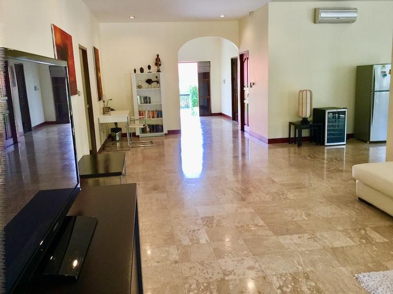 Golf Village villa for sale - living area