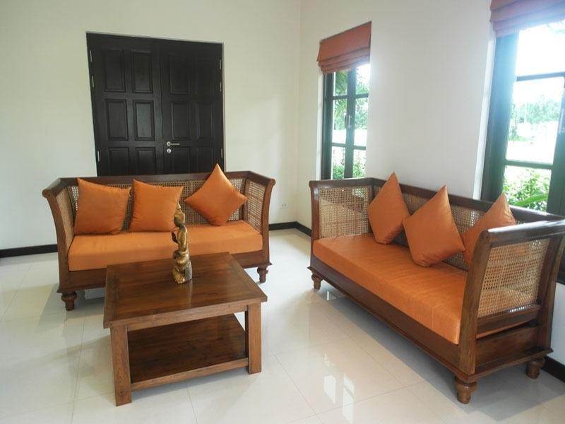 Best priced Banyan house for sale - living