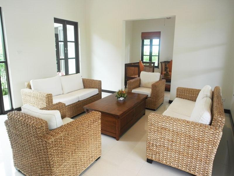 Best priced Banyan house for sale - lounge