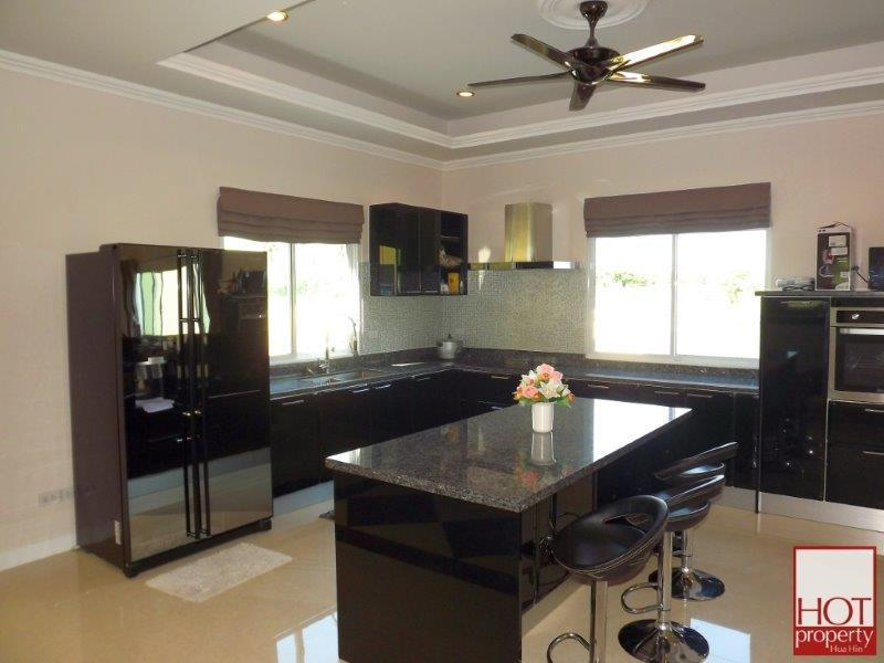 Mansion style villa for sale - kitchen