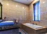 Palm Hills Villa with 6 bedrooms for sale - bathtub