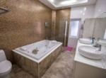4 bed villa in The Views for sale - bathroom