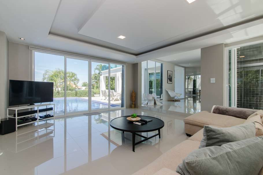 Stunning 5 bed Phu Montra villa for sale - lounge