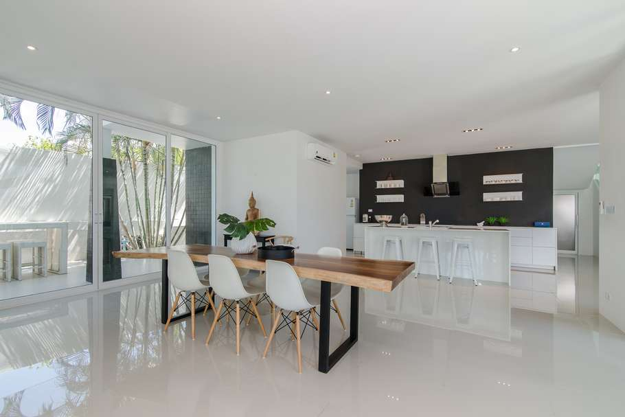 Stunning 5 bed Phu Montra villa for sale - dining area