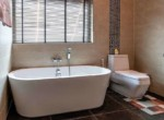 The Clouds villa for sale - bathtub