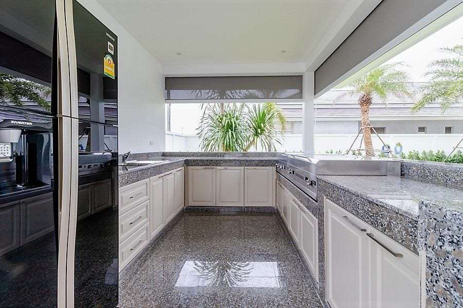 The Clouds villa for sale - outdoor kitchen