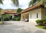 Renovated luxury villa for sale Palm Hills Golf Course - garage