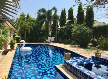Villa with Sauna and huge pool for sale and rent - pool