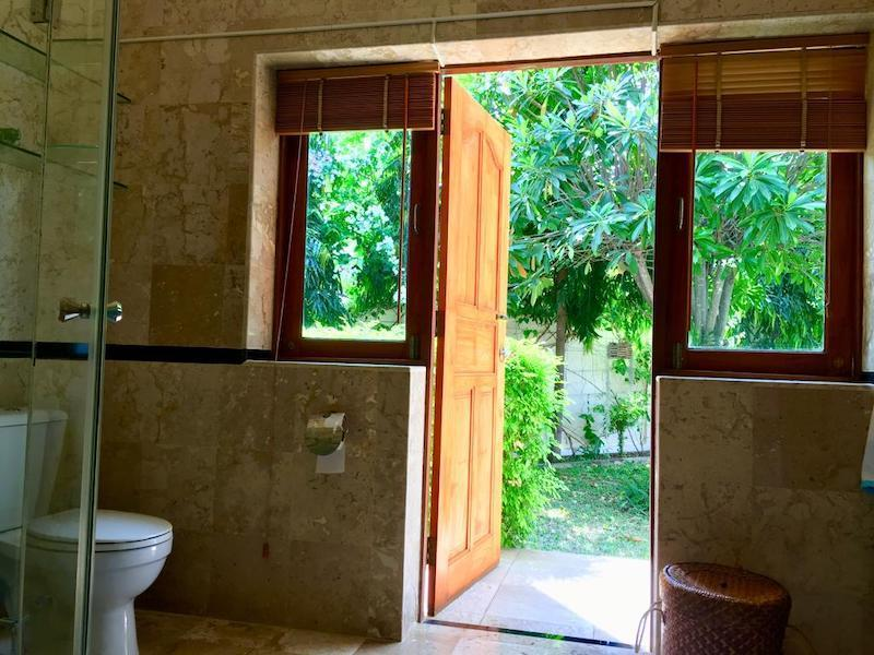 Villa with Sauna and huge pool for sale and rent - toilet
