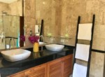 Villa with Sauna and huge pool for sale and rent - bath