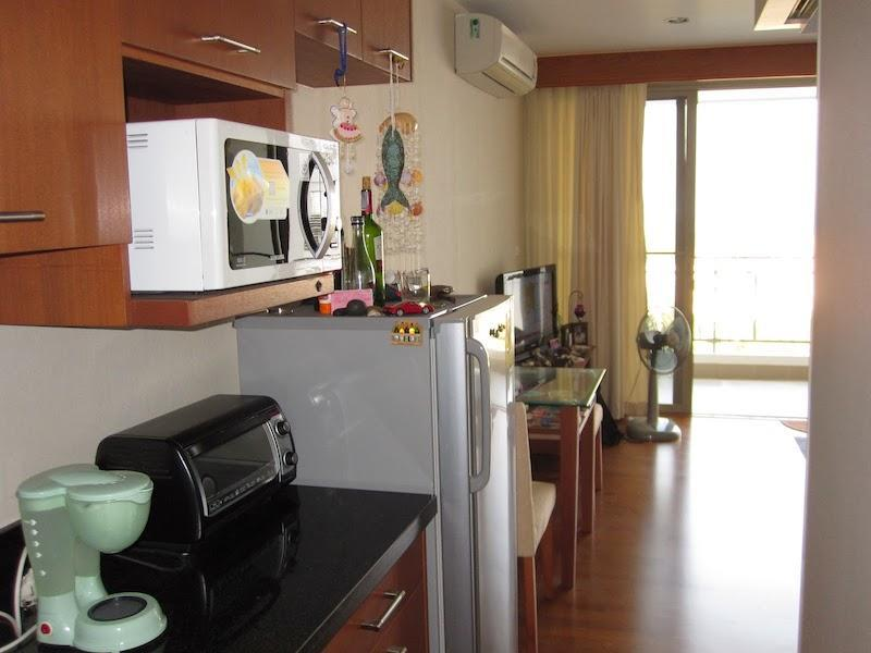 Boathouse condo for sale best price - kitchen