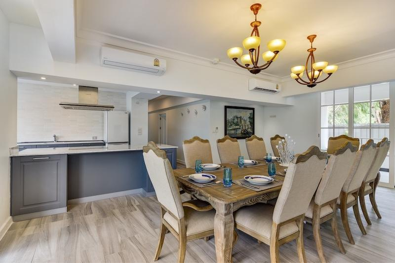 Four bedroom Royal Princess condo for sale - dining