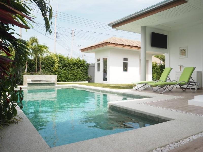 Mali Residence resale villa in Hua Hin - office