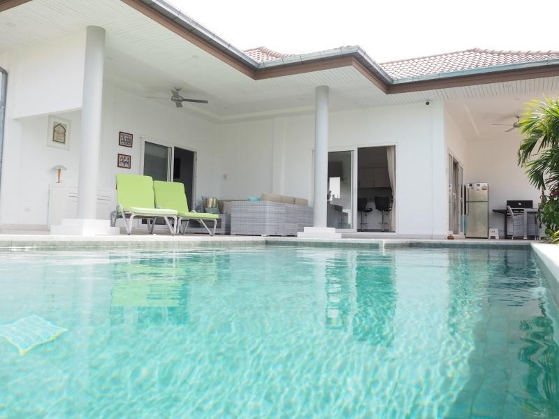 Mali Residence resale villa in Hua Hin - pool