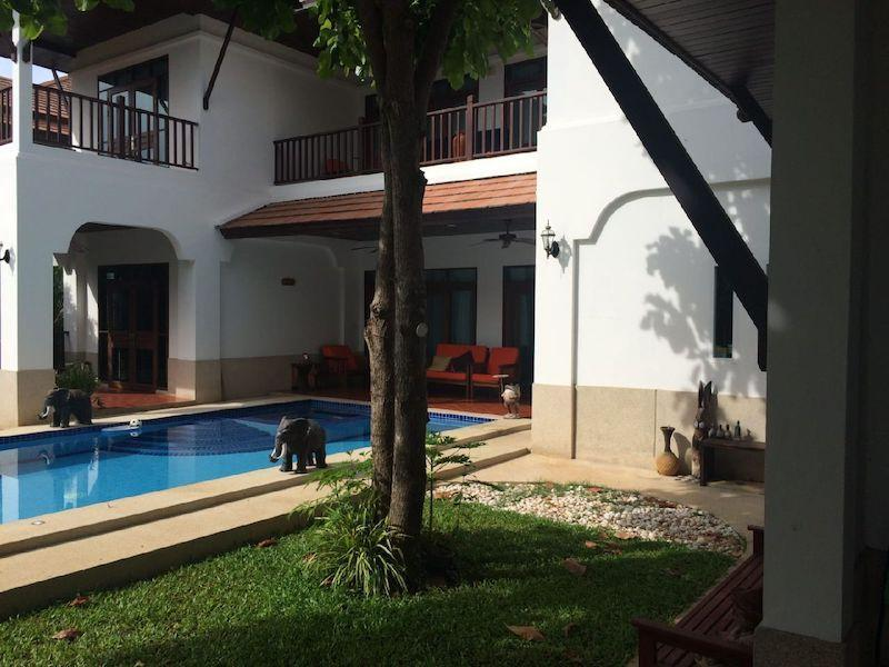 Spacious villa for sale close to the beach