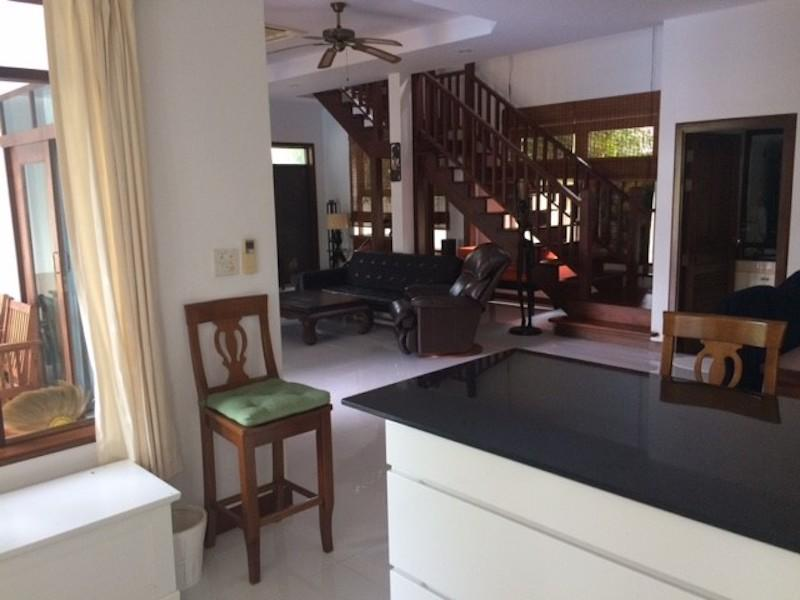 Spacious villa for sale close to the beach - kitchen