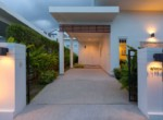 Pool villa for rent in Sivana Garden - carport