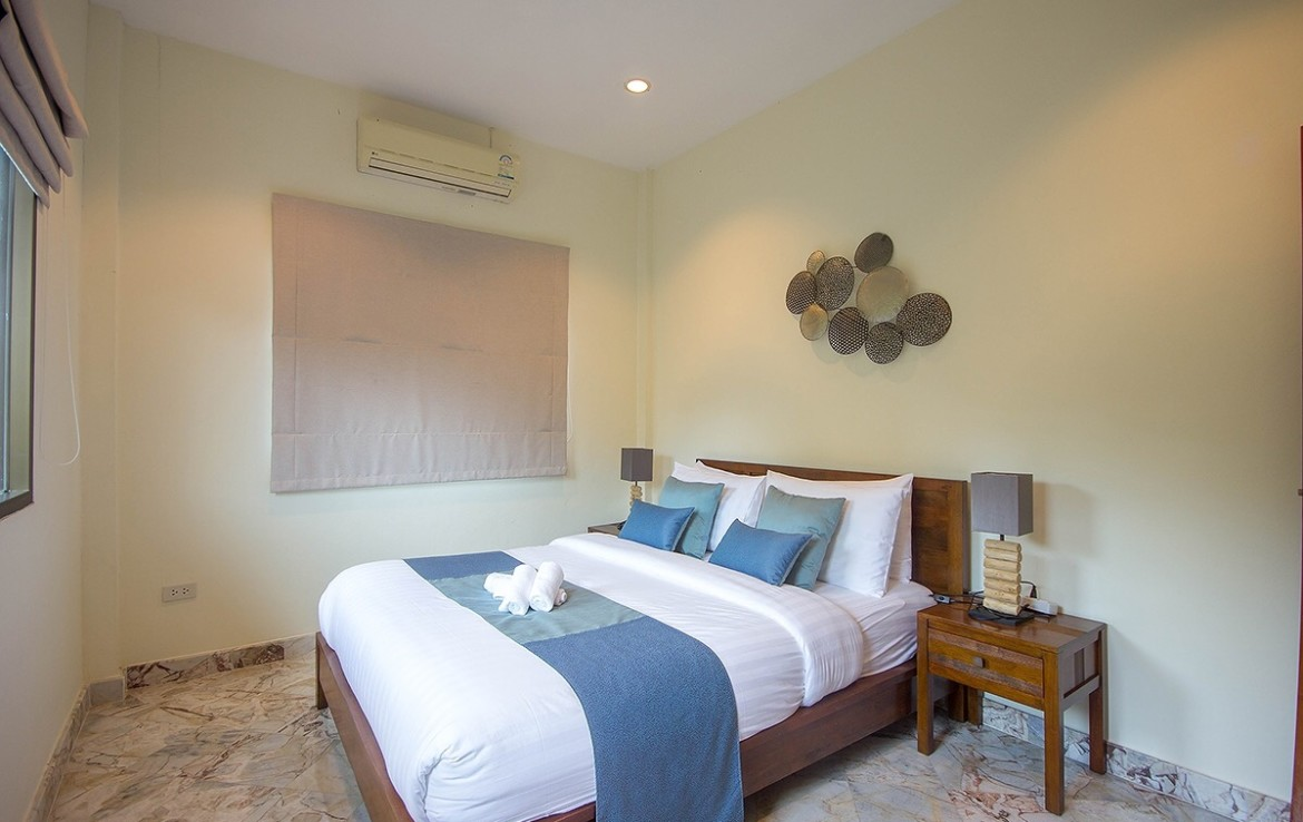 Detached 2 storey house for sale with pool - bedroom