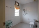 Detached 2 storey house for sale with pool - bathroom