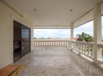 Detached 2 storey house for sale with pool - balcony