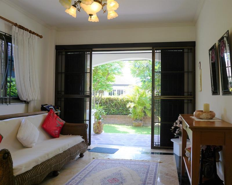 Beautiful Laguna villa for sale in Hua Hin - entrance