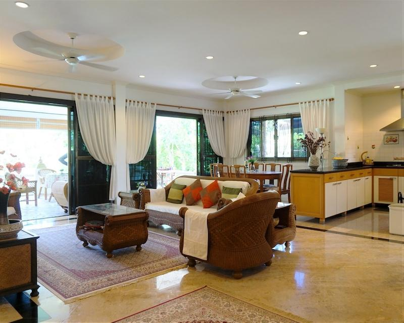 Beautiful Laguna villa for sale in Hua Hin - lounge