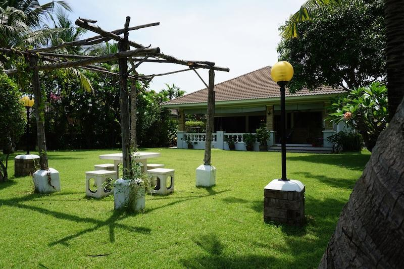 Beautiful Laguna villa for sale in Hua Hin - garden